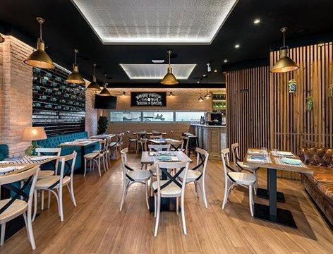 portafolio-portfolio-proyectos-trabajos-projects-works Gambrinus Gastro-Cervecería es el nuevo concepto de taberna española de Heineken, con una imagen actualizada, sofisticada, y una oferta gastronómica local.